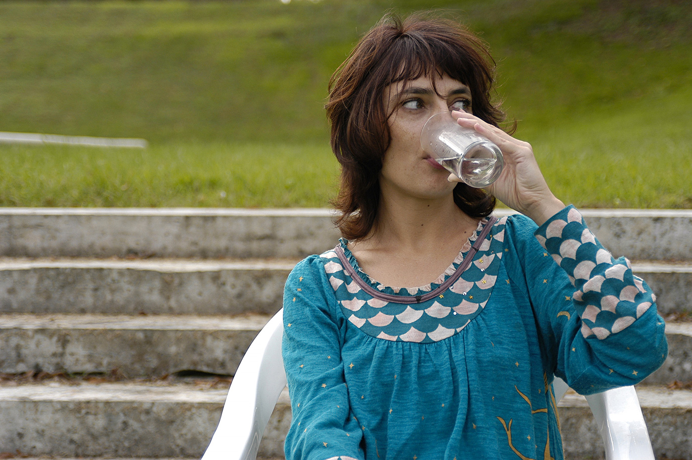 Florence Paradeis - Drink in park, 2006