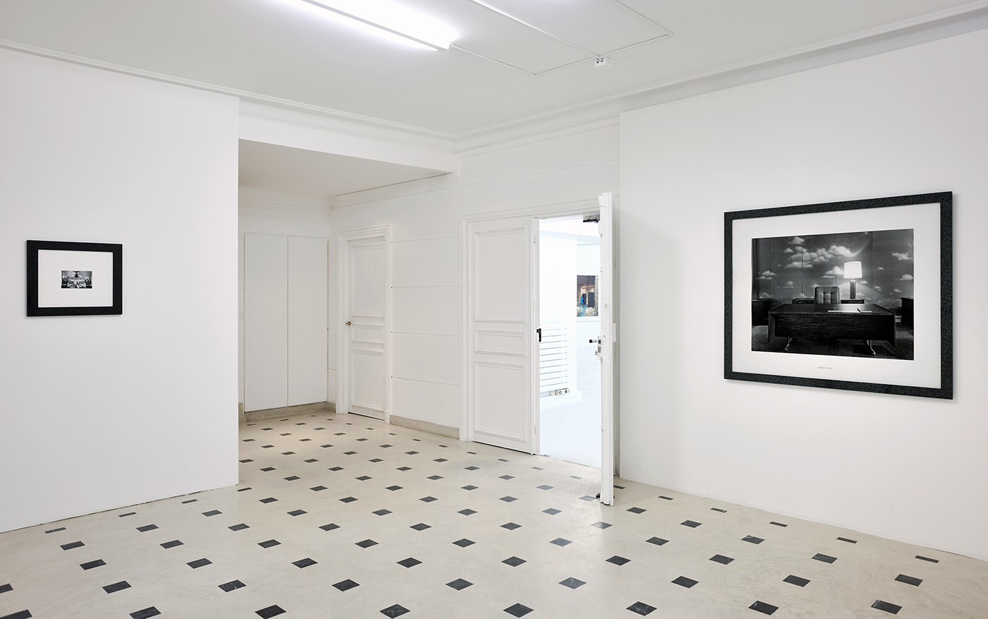 Lynne Cohen - Exhibition view - Un hommage - Galerie in situ - Fabienne Leclerc, Paris, 2015
