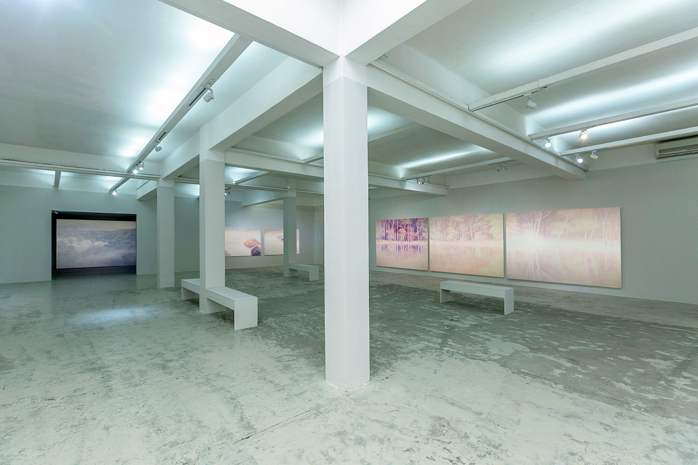 Daniele Genadry - Slow Light - Exhibition views, 2018
